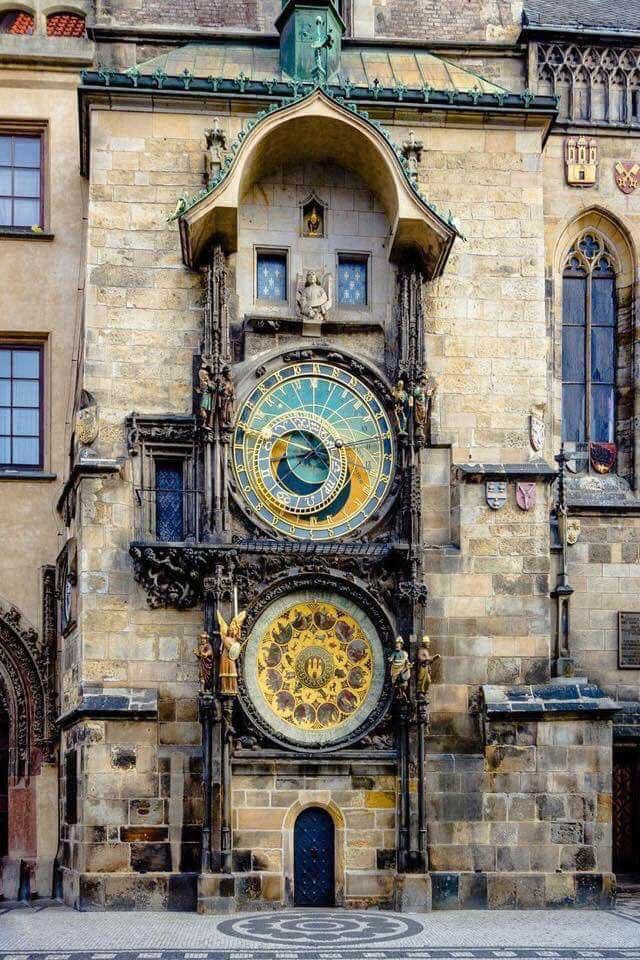 ساعة براغ